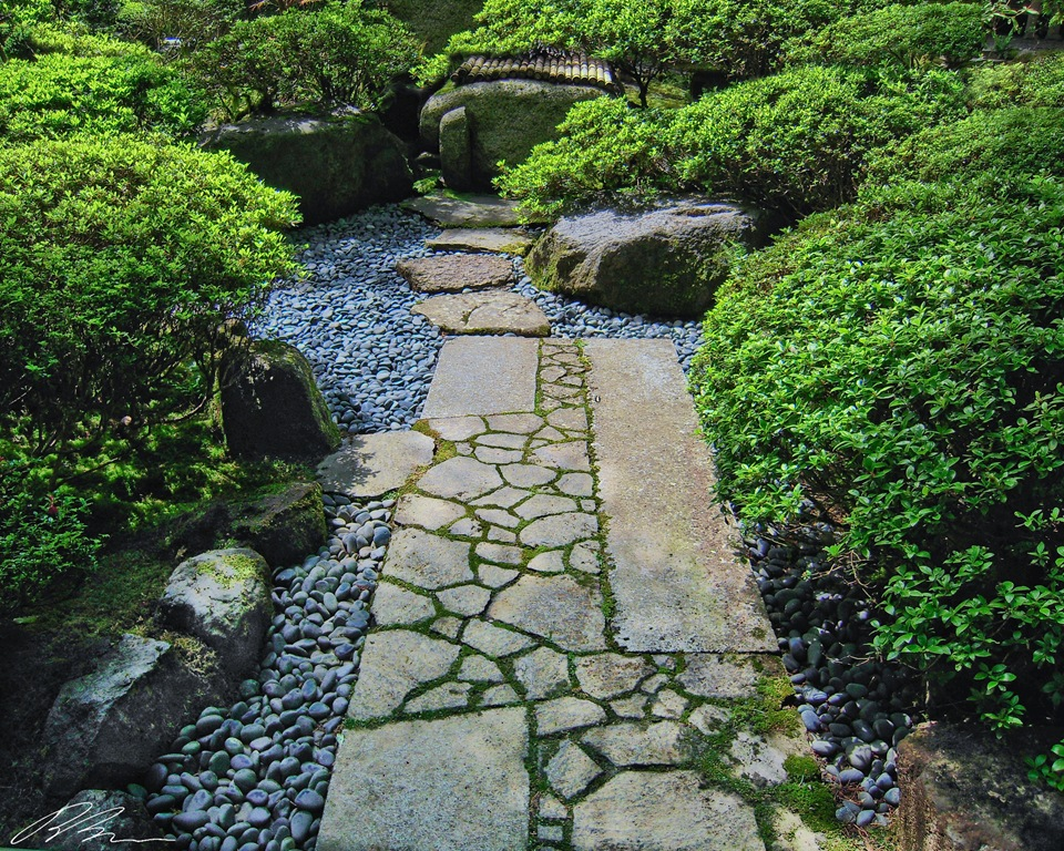 Japanese walkway in a garden rate my garden rating - Japanese garden ideas for landscaping ...