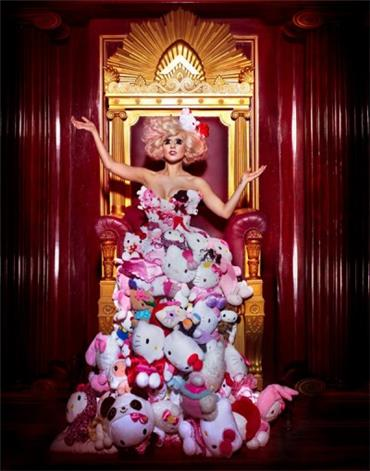 Lady Gaga - Hello Kitty outfit